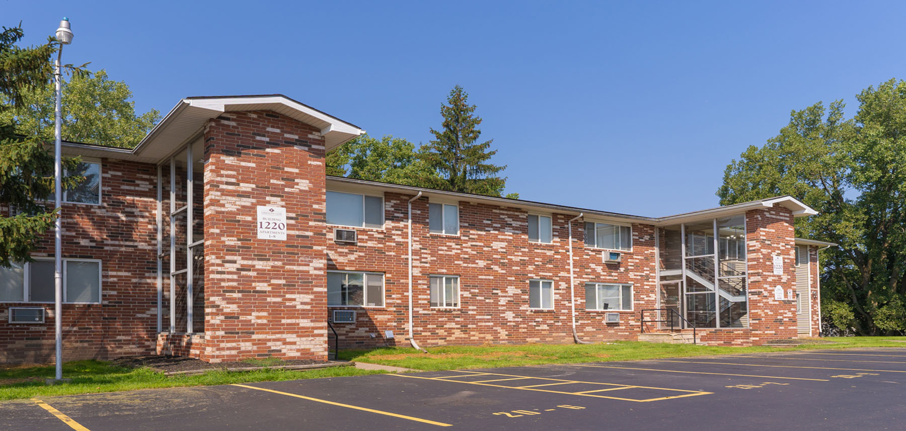 Farmington Court Apartments